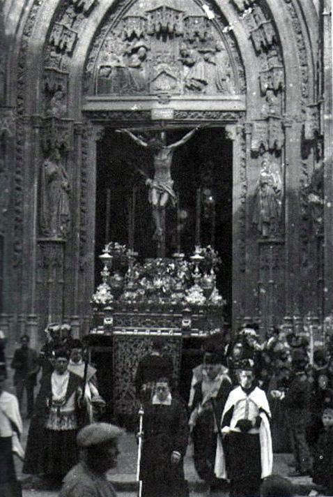 El Cristo de la Clemencia en el Santo Entierro Grande de 1920